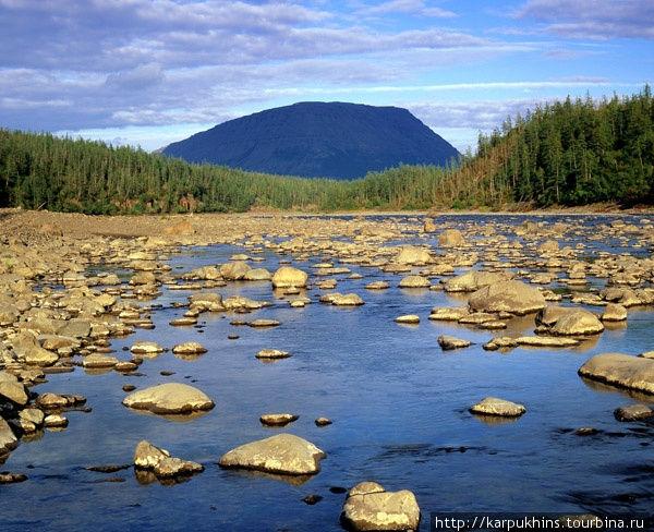 Река Иркинда. С востока в озеро Кутарамакан впадает относительно большая река Иркинда. Долина этой реки также очень живописна и достойна того, чтобы уделить ей внимание.