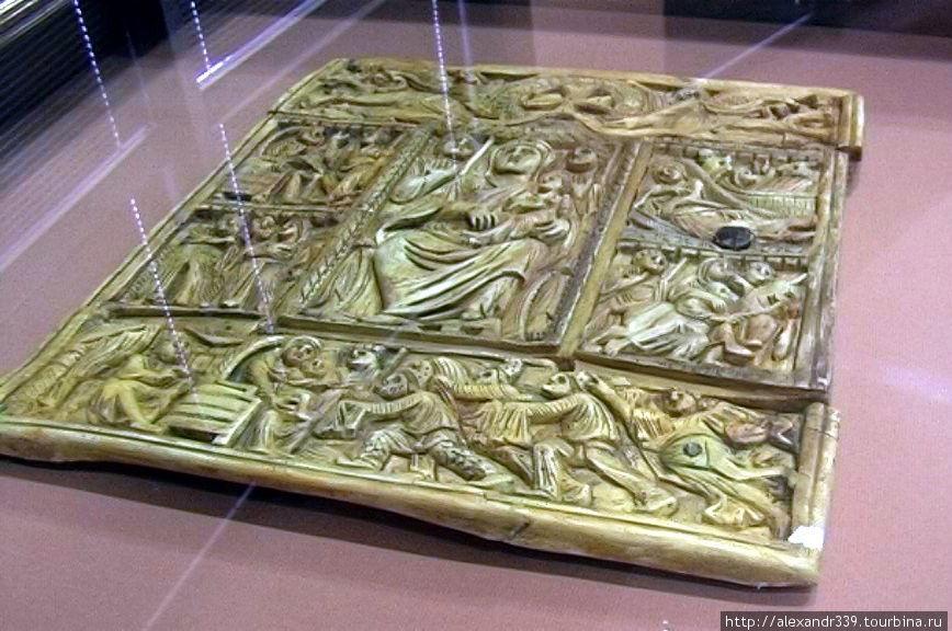 Переплет из слоновой кости — VI век