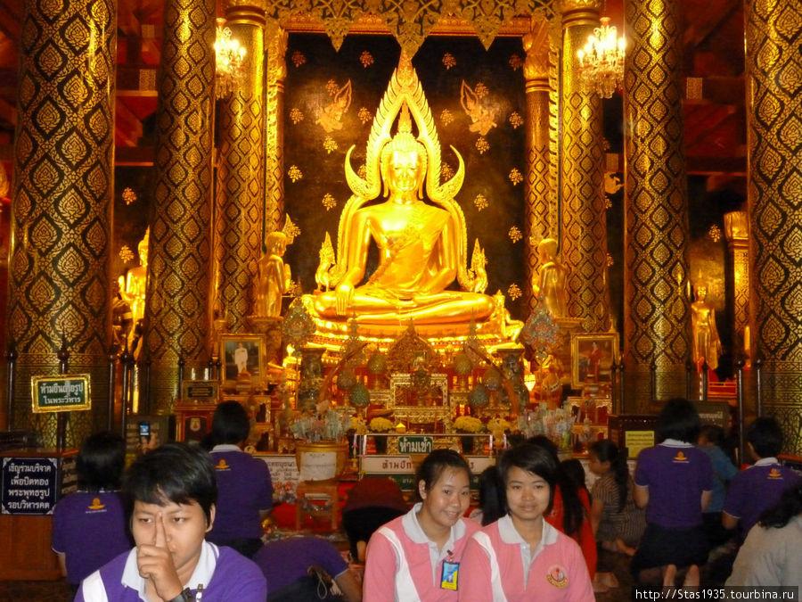 Пиьсанулок. Храм Пхра Си Раттана Махатхат с Буддой Пхра Будда Чинарат.