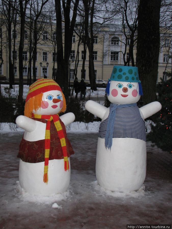 Весёлые снеговики.