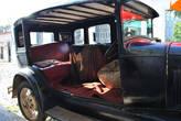 А из этой машины сделали VIP-зону ресторана