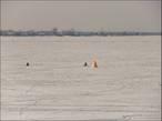 Рыбаки с палатками=))