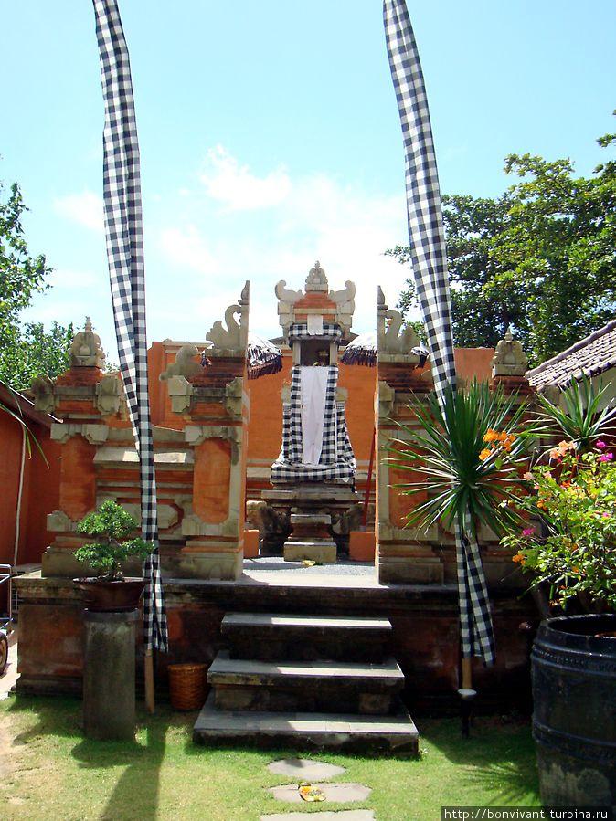 Храм при отеле