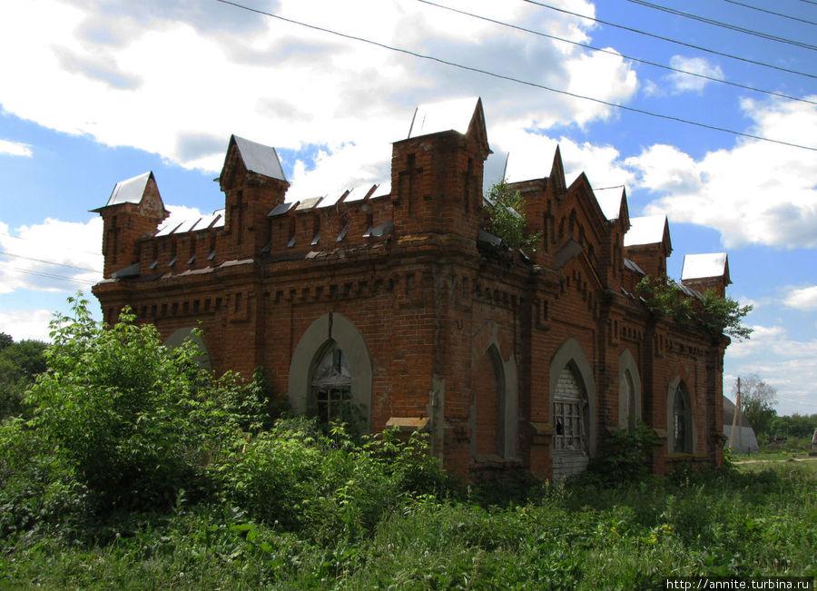 Старожилово — останки некогда роскошной усадьбы Дервиза Старожилово, Россия