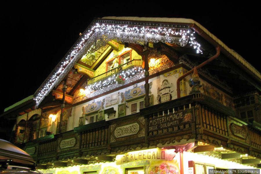 А в Canazei в это время Рождество.