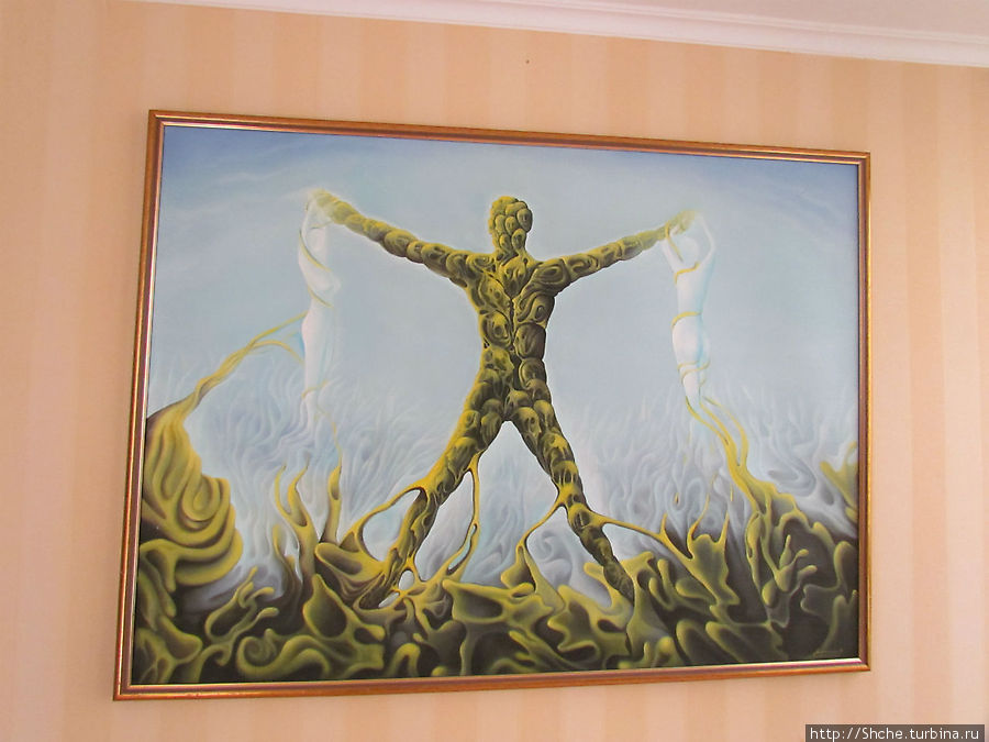 еще оригинальная картина на нашем этаже, в вестибюле не снимал, но там их десятки