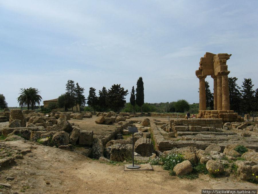 Храм Диоскуров (храм Кастора и Поллукса) Агридженто, Италия