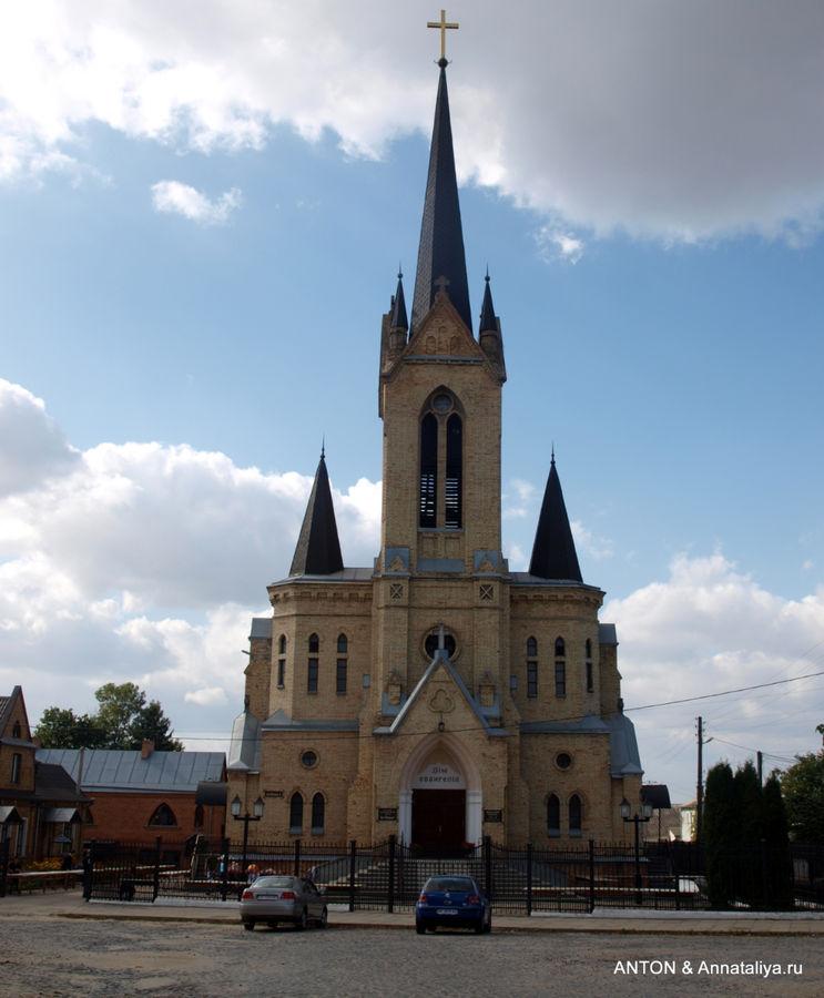 Бывшая Кирха. Теперь баптистская церковь.