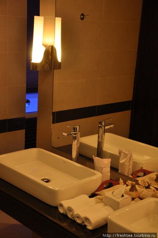 В ванной (номер Deluxe).