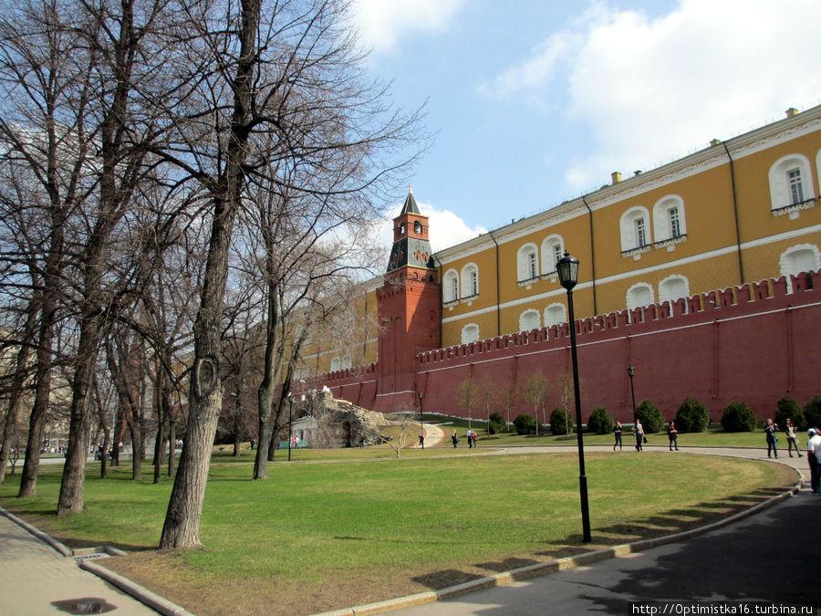 Вид на здание Арсенала в Кремле