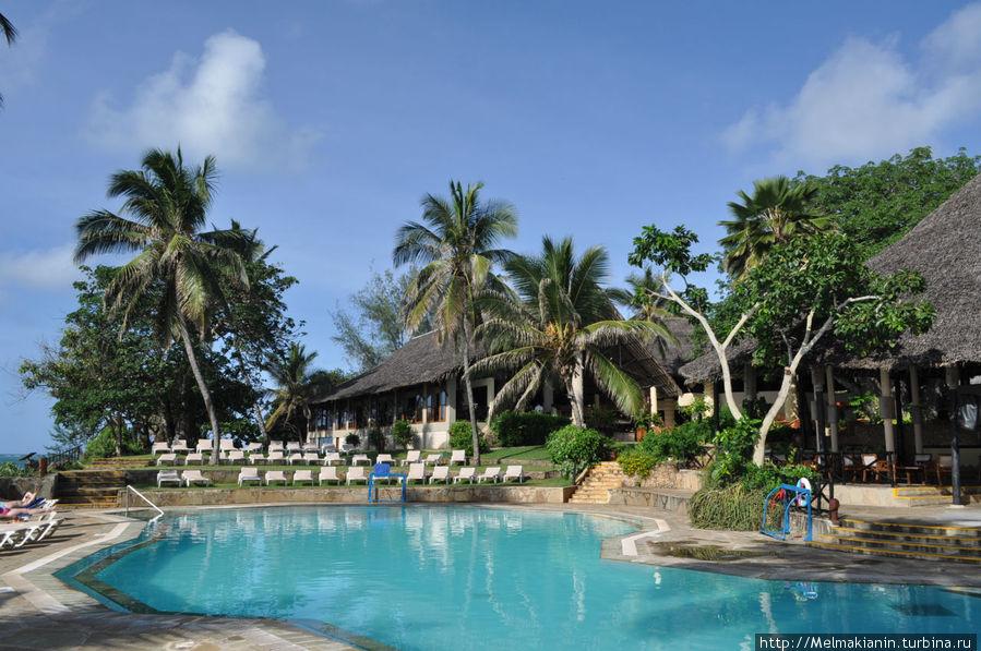 Панорамный бассейн в Маридади.
