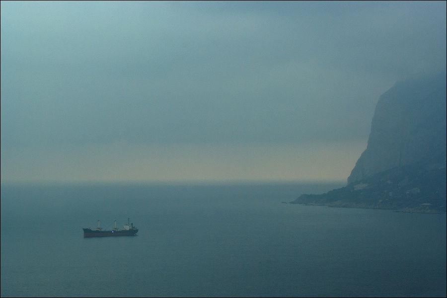 Мыс Айя в тумане, январь