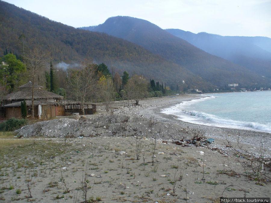 Пляжи Старой Гагры