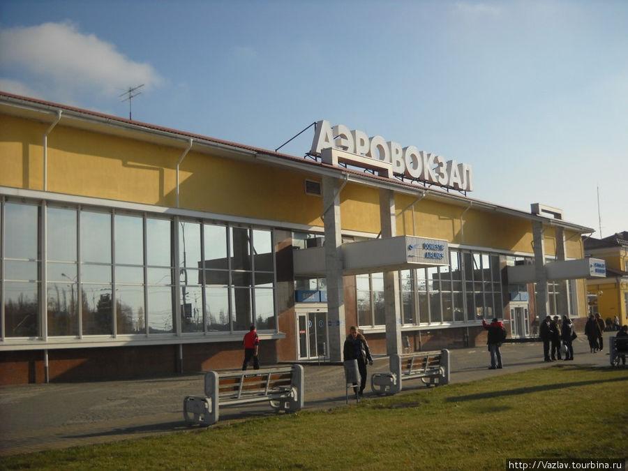 Фасад аэропорта