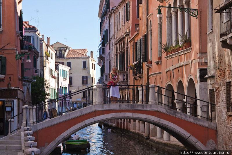 Каналы Венеции, мост возл