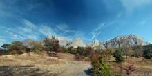 Панорама вида гор от Мелласа, если подниматься дальше, то можно выйти на старую Ялтинскую дорогу и дойти до перевала