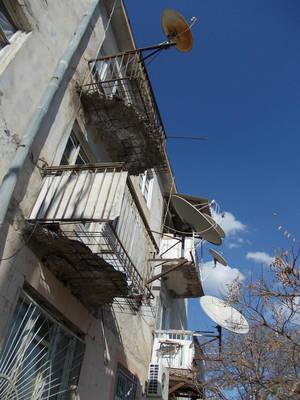 Эти балконы почему-то не улучшились