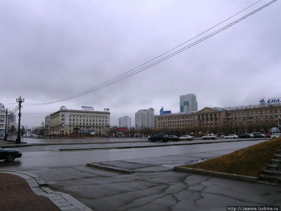 Площадь Ленина — здесь проходят главные городкие парады, праздники, ярмарки...