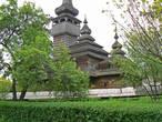 Церковь св.Михаила из села Шелестево изначально была построена без единого гвоздя. Но после переезда в Ужгород ей пришлось с ними познакомиться :)
