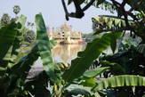 Вид на корабль с территории отеля Кандавги Палас