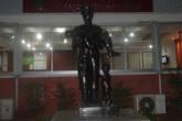 а этот памятник сюда зачем то перетащили из БКК