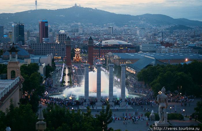 фонтан с видом на площадь