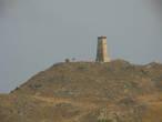 С берега виден старинный маяк, но о нем речь пойдет дальше