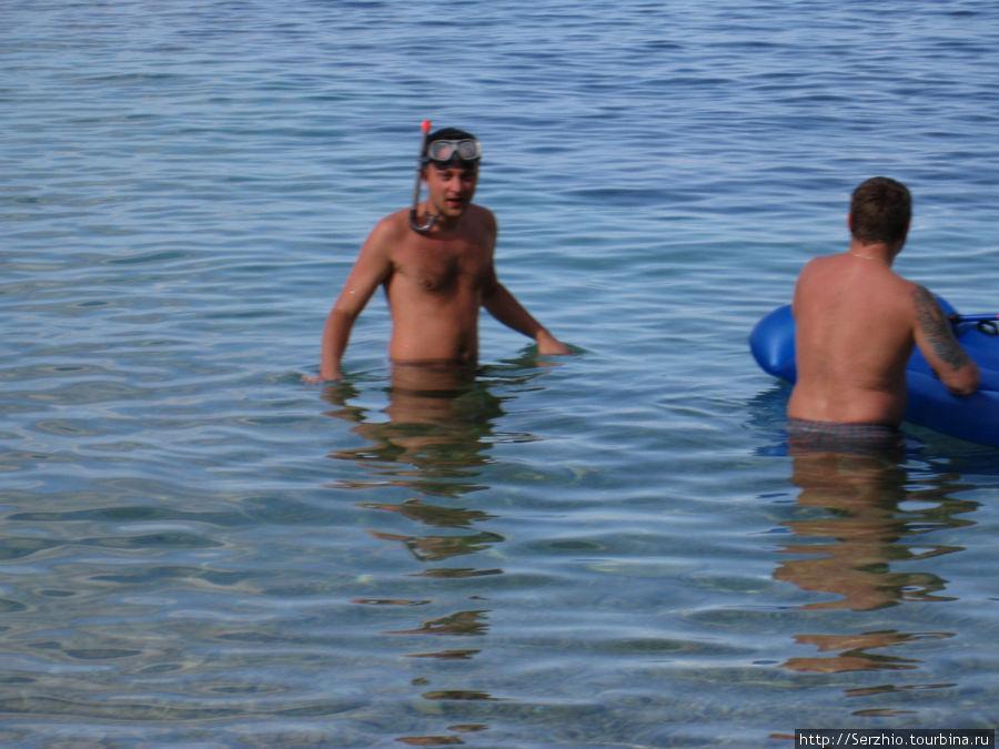 Купаемся на диком пляже Сан-Антонио, остров Ибица, Испания