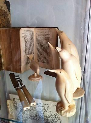 Книги и поделки из кости