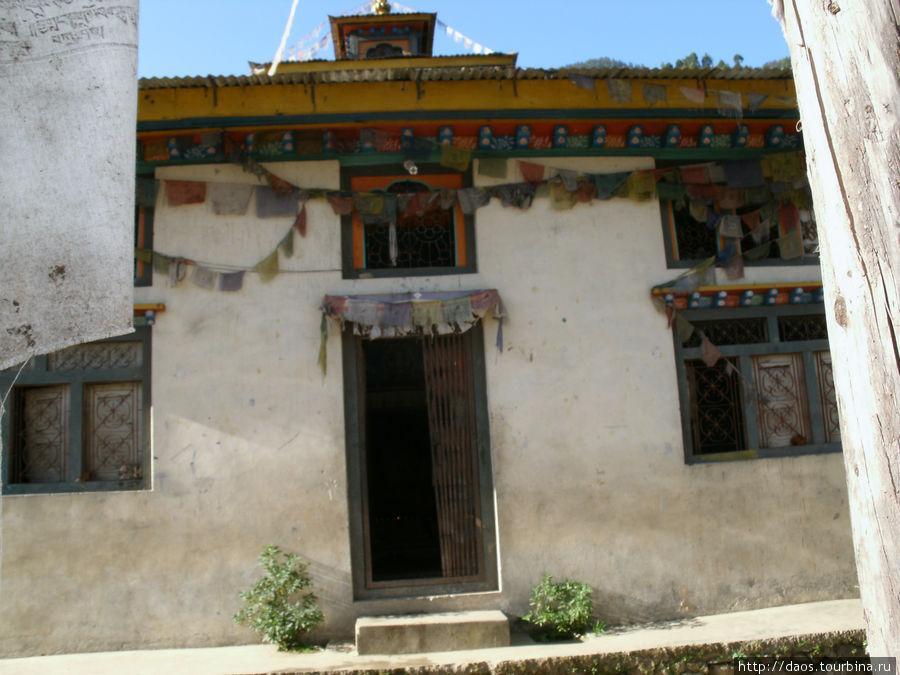 Тибетский монастырь в Туло-Сябру