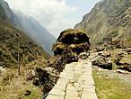 Наконец, преодолев все трудности, добираемся до Деурали...Высота уже 3200. То есть, на участке Хималаи-Деурали мы поднялись всего-то на 300 метров... но каких...