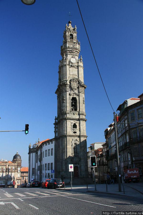 Лиссабон Церковь и башня Клеригуш