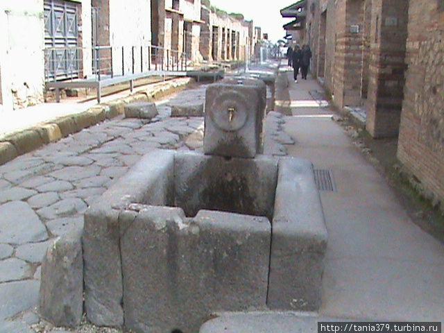 Один из городских фонтанов.