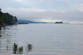 Ночью никаких интересных фотографий не вышло. Зато утром туман сам просился, чтобы его снимали :) Начал затягивать дальние берега.