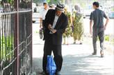 Андижан. Андижанские тюбетейки раза в два выше ферганских. Самая крупная банкнота в Узбекистане — 1000 сумов, что равно примерно 10 р. Так что, к сожалению, дедушка совсем не богат