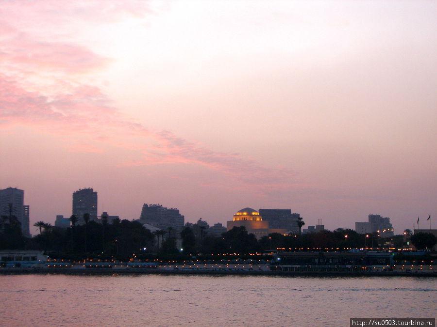 Вечерняя молитва в Каире