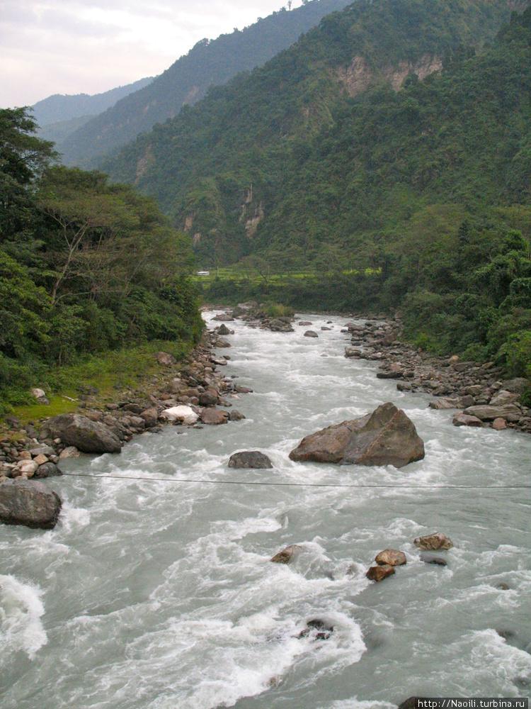 Вид на реку Марсиангди с