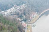 Вид с плато на горы и курорт Ратен.