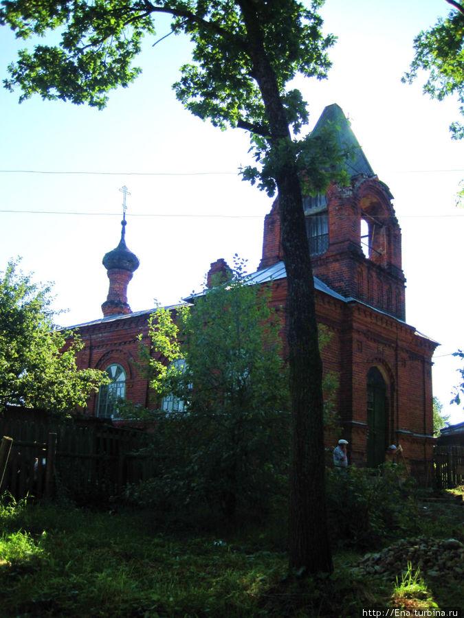Восстанавливаемая церковь св. Тихона в Тутаеве