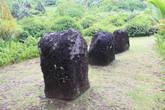 На этой и нескольких последующих фотографиях показаны различные древние культовые сооружения, характерные для многих племён Океании