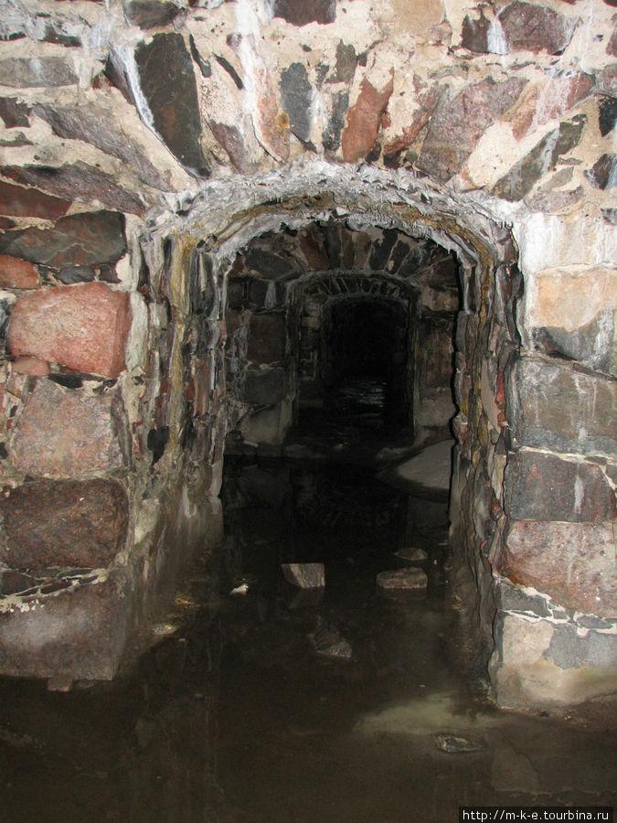 Вход в подземный туннель