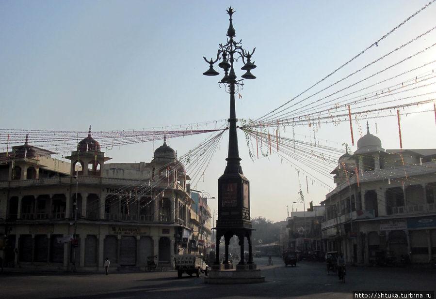 Джайпур, утро, перекресток по дороге в Pink City