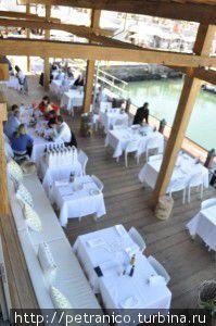 Нижняя палуба ресторана
