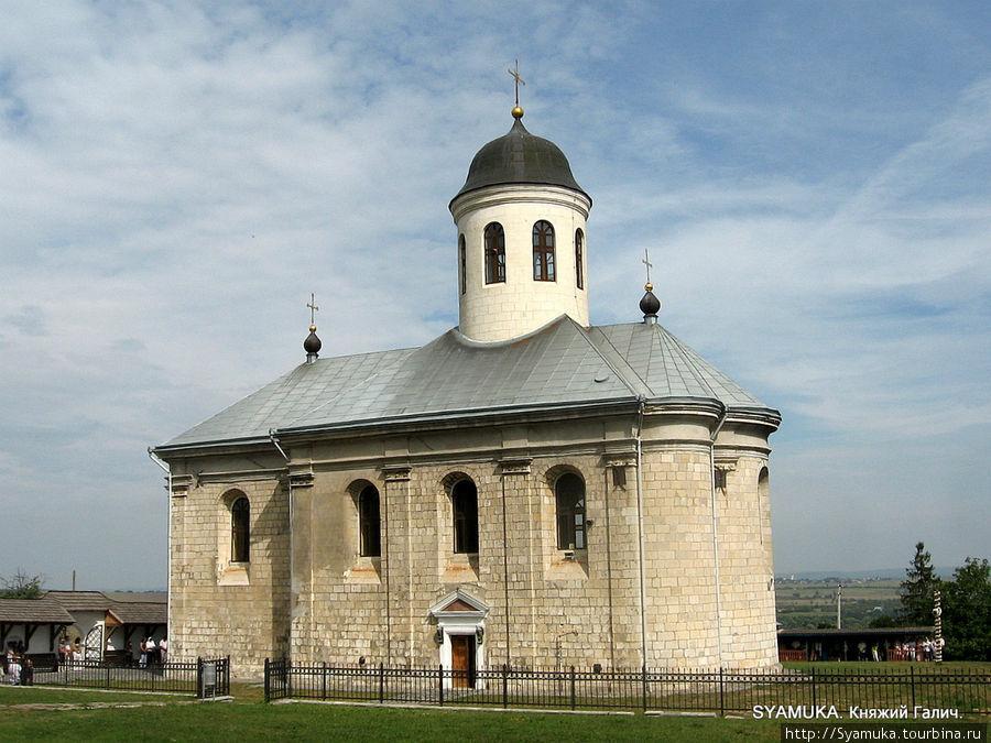 Успенская церковь в Крылосе.