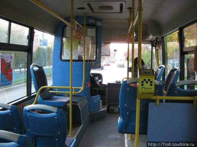Общий вид салона обычнейшего городского автобуса