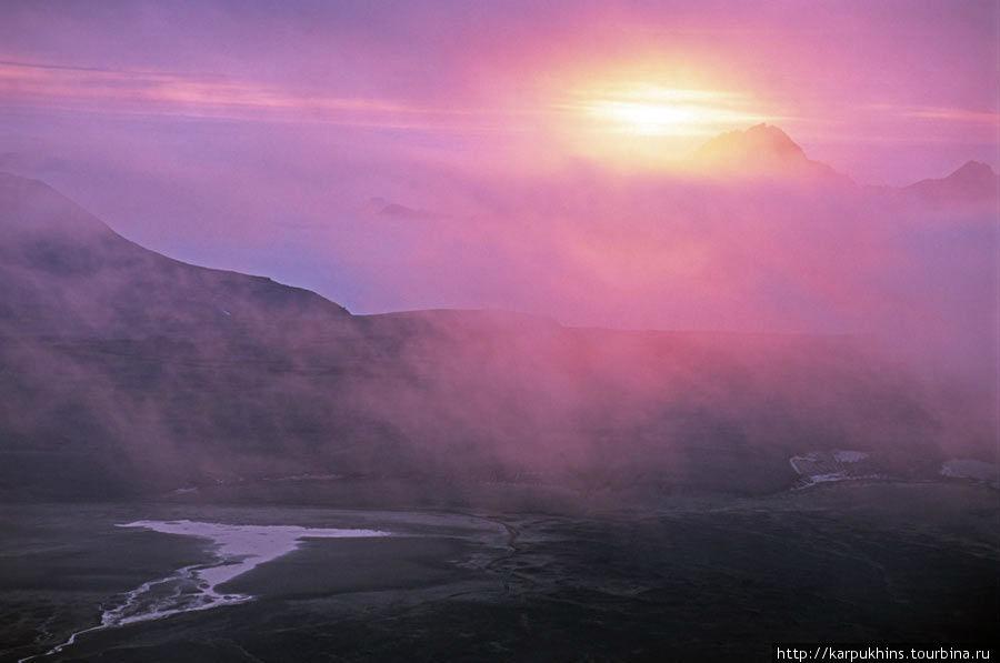 Где-то там, где восходит солнце, не так далеко, море своими волнами облизывает берега Камчатки.