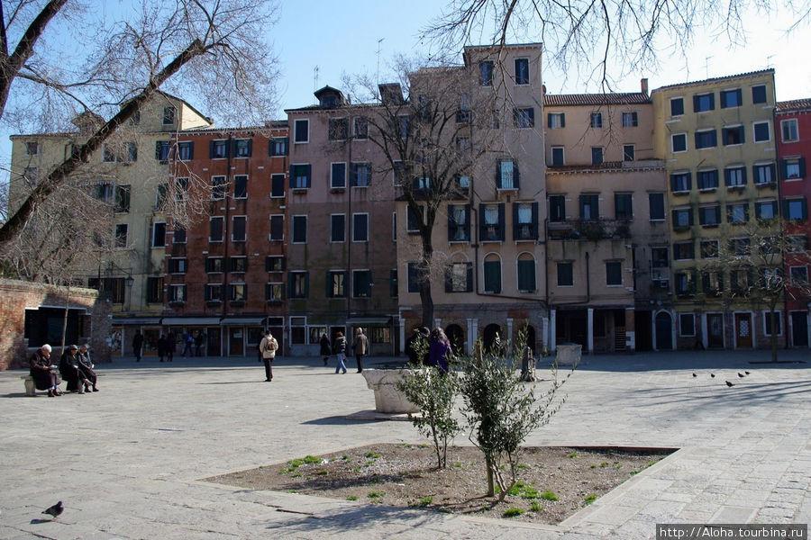 Кампо в районе гетто.