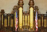 знаменитый орган в молитвенном зале, один из самых больших в мире. имеет более 10 тыщ труб