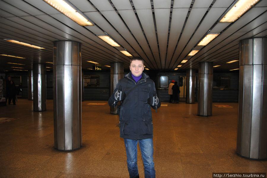 А вот так выглядят станции Синей линии №3