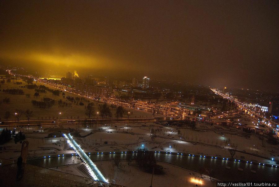 Вид ночного Минска со смо
